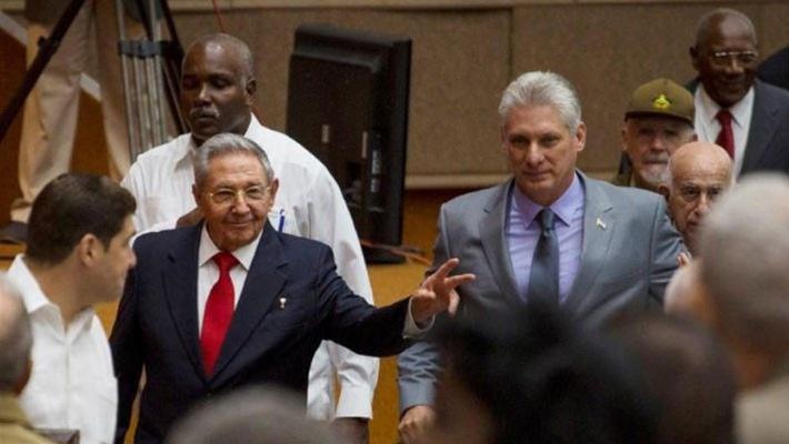 Cuba trải qua chuyển giao quyền lực lịch sử