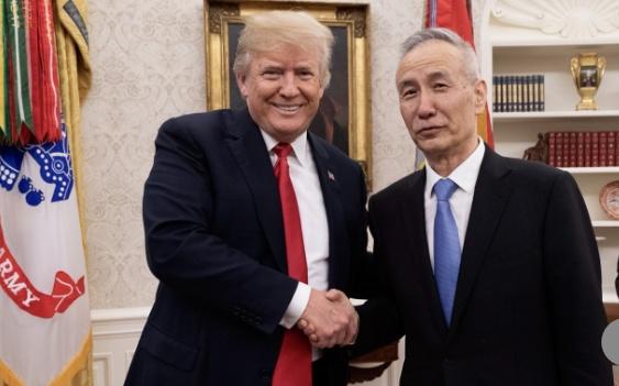 Trung Quốc nhượng bộ, tránh chiến tranh thương mại với Mỹ