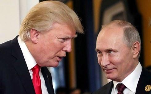 Mỹ truy tố 12 tình báo Nga trước thềm thượng đỉnh Trump – Putin