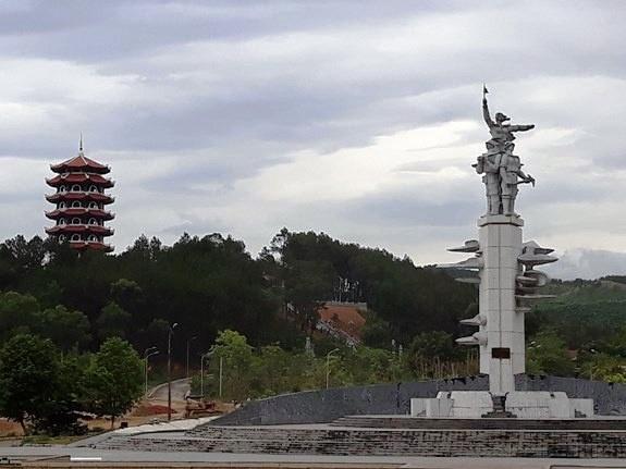 Máu và hoa ở ngã ba Đồng Lộc