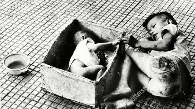 Em bé trong hộp trên vỉa hè Sài Gòn năm 1973