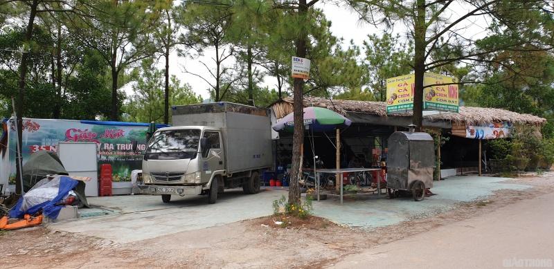 """Quảng Ninh: TP. Uông Bí nói gì việc nhà hàng """"mọc"""" trên đất rừng?"""