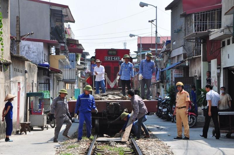 Hải Phòng: Xóa bỏ 14 đường ngang bất hợp pháp qua đường sắt