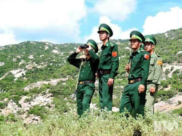 Những người lính quân hàm xanh trên tuyến đầu bảo vệ tổ quốc