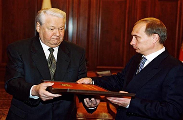 Cựu cố vấn của ông Yeltsin tiết lộ lý do Putin được chọn làm người kế vị
