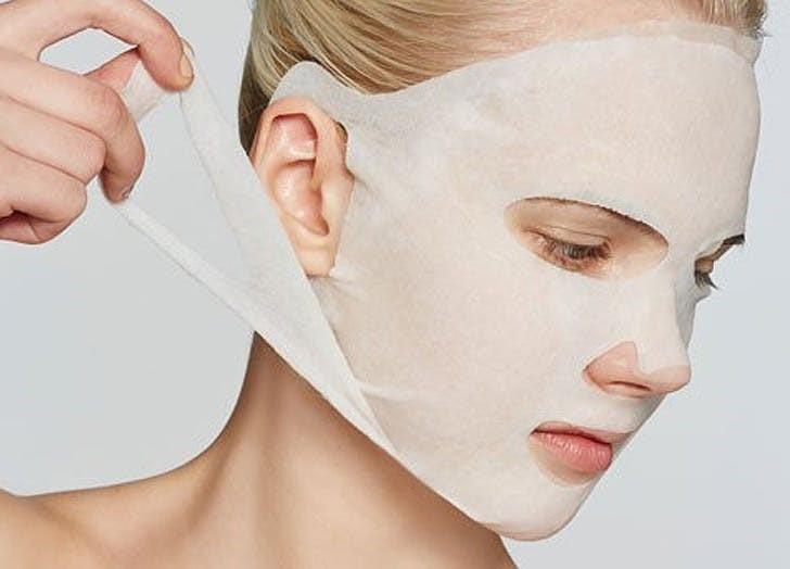 Cẩn thận với thói quen sai lầm khi đắp mặt nạ khiến da bạn xấu đi