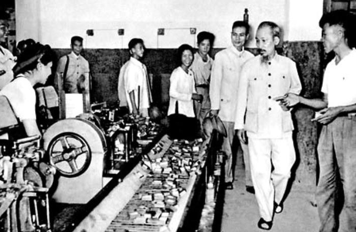 Những quan điểm kinh tế vượt thời đại của Chủ tịch Hồ Chí Minh