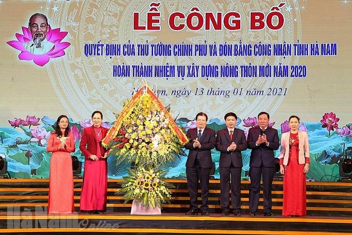 le cong bo quyet dinh cua thu tuong chinh phu va don bang cong nhan tinh ha nam hoan thanh nhiem vu xay dung ntm
