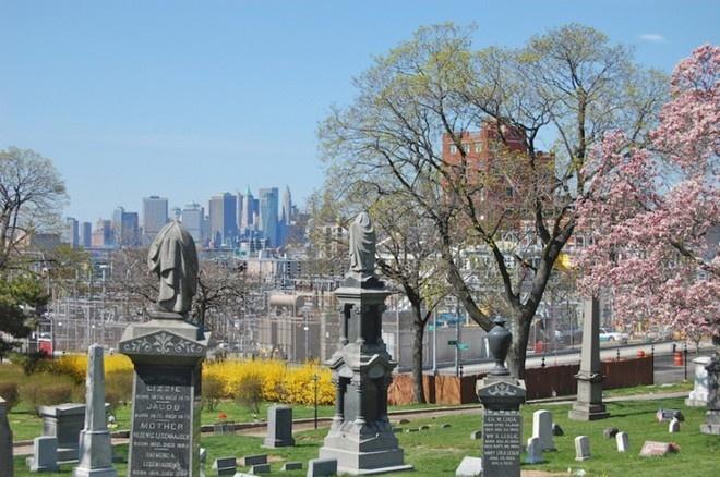 Chuyện bia mộ và nghĩa trang ở Mỹ