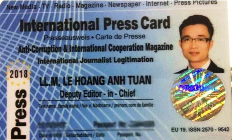 """Chuyện """"nhà báo quốc tế"""" hay """"Cáo mượn oai Hùm""""?"""