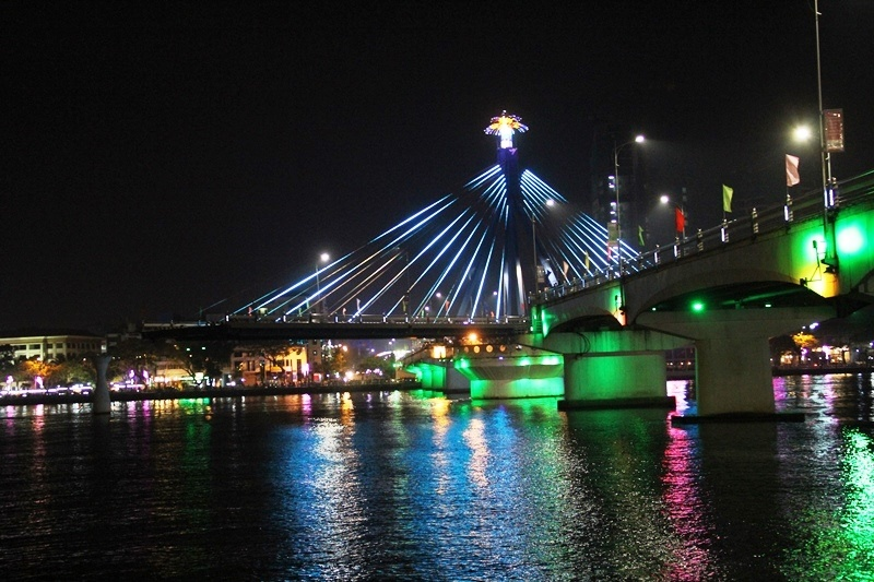 Đà Nẵng: Thành phố của những cây cầu đẹp