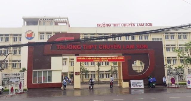 Thanh Hóa: Sau hàng loạt sai phạm, Hiệu trưởng Trường THPT chuyên Lam Sơn bất ngờ có đơn xin nghỉ công tác