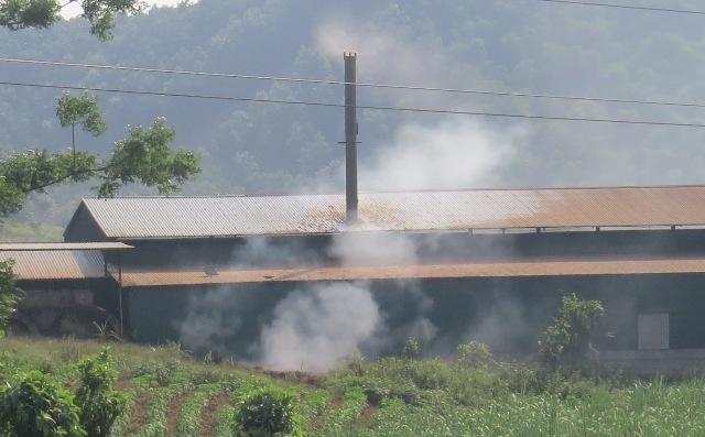 Cơ sở sản xuất than Đức Thủy gây ô nhiễm môi trường: Chưa hoàn thiện các hồ sơ thủ tục về đất đai, xây dựng và môi trường theo quy định