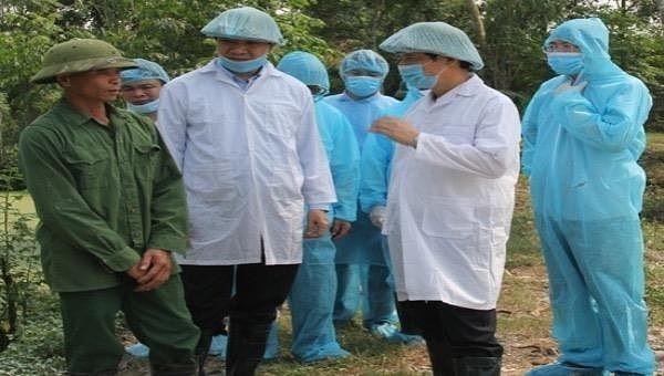 Chủ tịch tỉnh yêu cầu kiểm điểm phó chủ tịch huyện Quảng Xương do lơ là phòng chống dịch