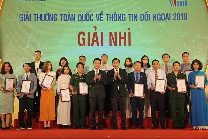 bao chi hien dai can mot doi ngu nha bao chuyen nghiep phan ii