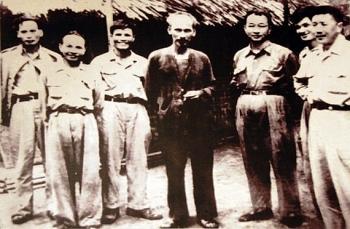 nguyen chi thanh con nguoi cua hanh dong phan i