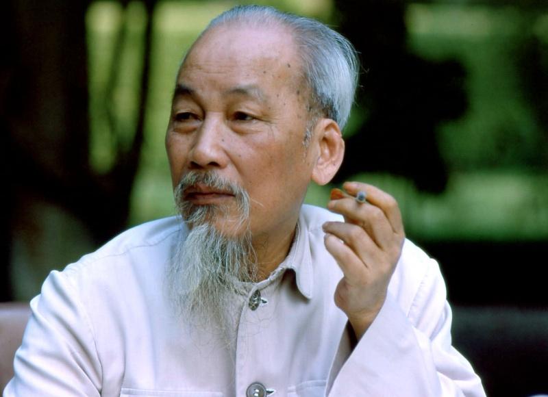 Một cách nhìn thông thoáng, tế nhị về đời tư của Chủ tịch Hồ Chí Minh