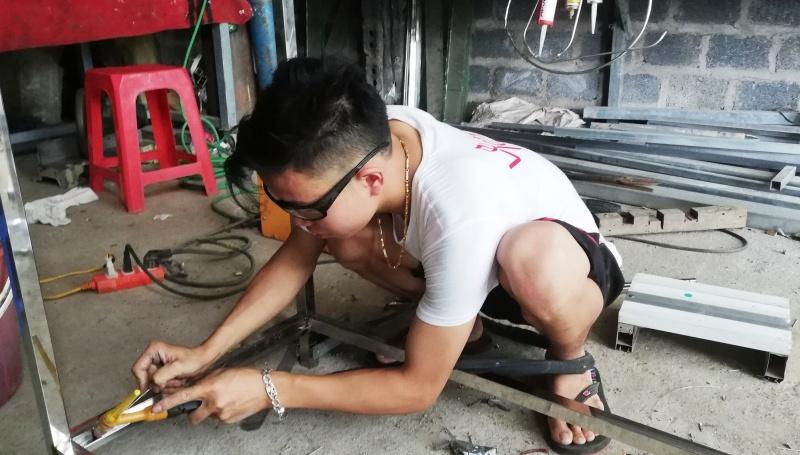 Khởi nghiệp từ nghề làm gương kính