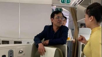 xu phat khach thuong gia bi to sam so nu hanh khach tren may bay 10 trieu dong
