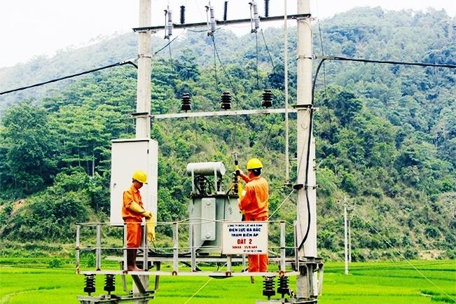 Công ty Điện lực Hòa Bình: Nâng cao chất lượng cung cấp điện