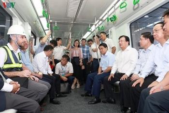 Phó Thủ tướng 'truy vấn' Tổng thầu Trung Quốc trên tàu Cát Linh-Hà Đông: 'Các ông hứa bao giờ làm xong?'