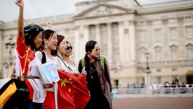 Ứng xử ra sao với khách du lịch Trung Quốc?