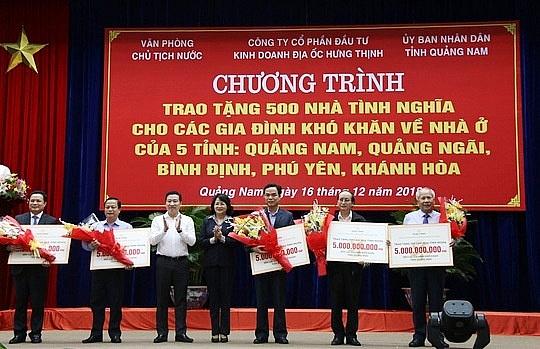 mot doanh nghiep chi 25 ti dong xay 500 nha tinh nghia