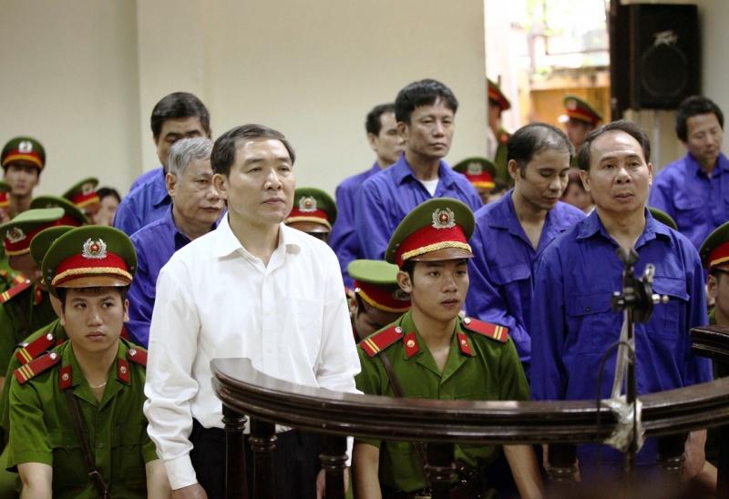 thuc trang va giai phap phong chong quan lieu tham nhung lang phi phan iii