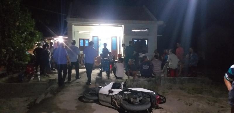Quảng Nam: xích mích vì nuôi heo bốc mùi hôi, nhóm đối tượng truy sát 3 cha con