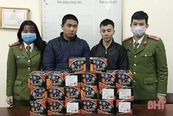 khoi to hai doi tuong van chuyen gan 27 kg phao trai phep