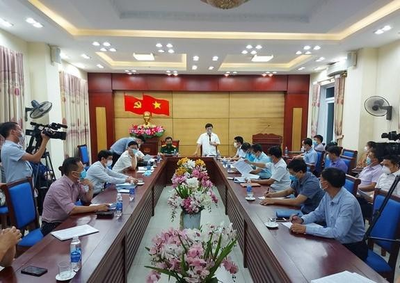 Nghệ An: Khẩn cấp phong toả 5 thôn vì ca dương tính với Covid-19
