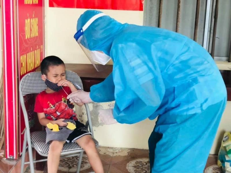 Hà Tĩnh: Bé trai 3 tuổi dương tính với Covid-19