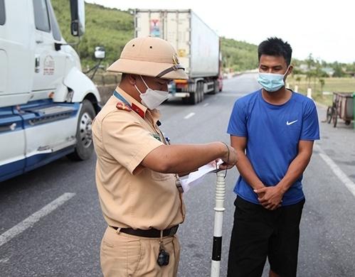 Hà Tĩnh: Khai báo gian dối, tài xế xe khách bị xử phạt 7,5 triệu đồng