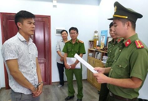 dua nguoi di nuoc ngoai trai phep ong trum linh 5 nam tu