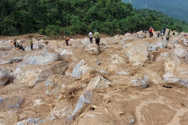 Đã tìm thấy 4 thi thể bị sạt lở đất vùi lấp ở Quảng Bình