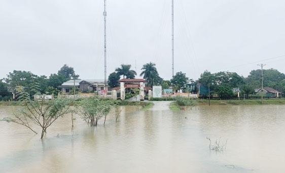 Hà Tĩnh: Hơn 42.000 học sinh nghỉ học do mưa lớn