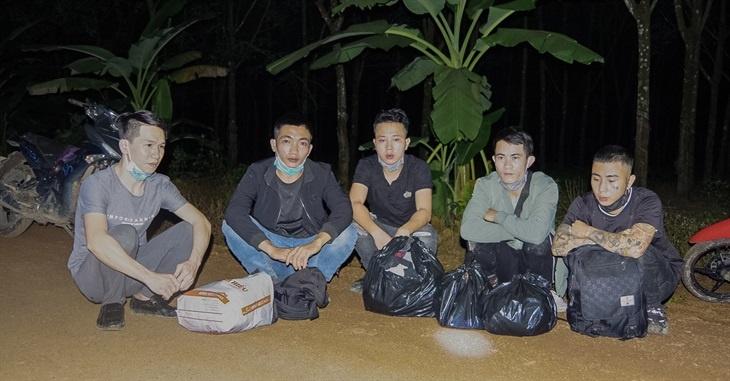 binh phuoc bat giu 13 doi tuong xuat canh trai phep sang campuchia