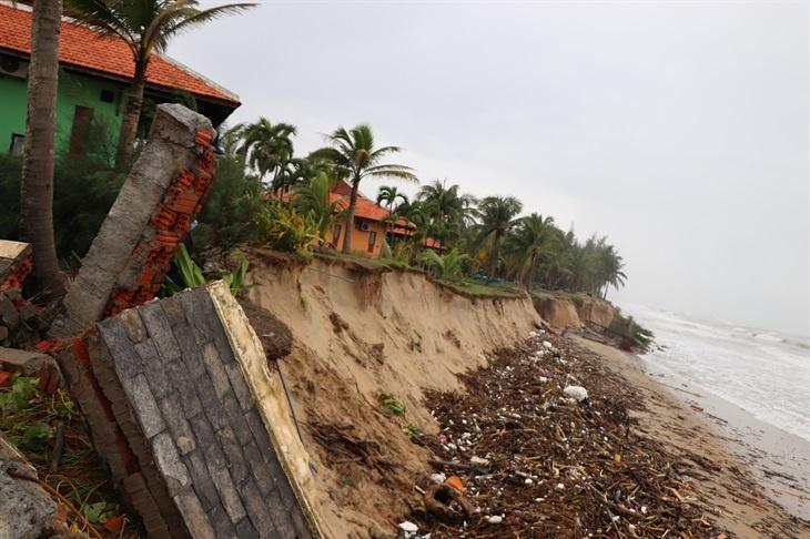 Bão Vamco gây thiệt hại không nhỏ cho các tỉnh miền Trung
