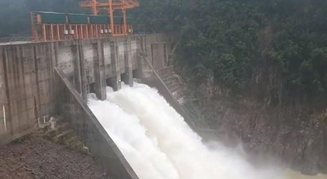 Ngừng mua điện của nhà máy thủy điện Thượng Nhật