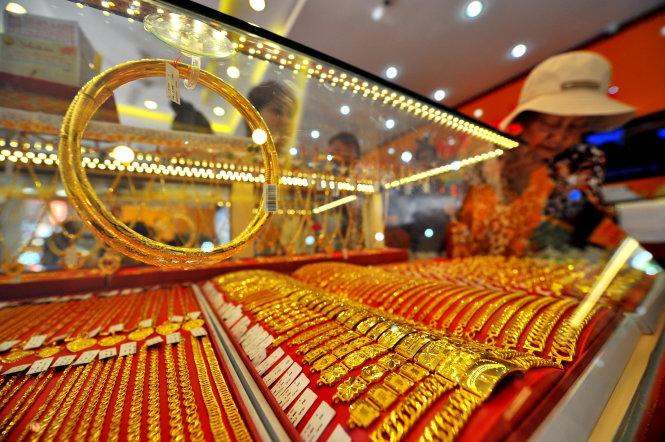 Giá vàng hôm nay 2/3: Giảm sâu sau 3 phiên liên tiếp, giá vàng rơi xuống mức thấp nhất trong 2 tháng