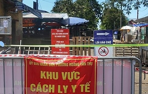 Hà Nội: Phong toả chợ đầu mối phía Nam