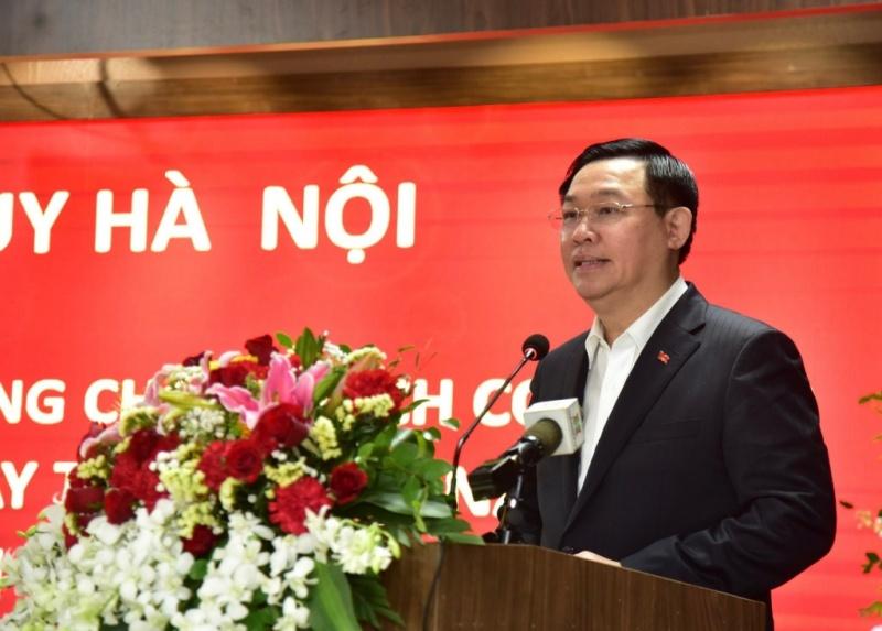 Hà Nội: Quan tâm đội ngũ cán bộ, y bác sĩ trên tuyến đầu chống dịch