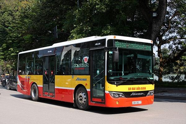 Hà Nội bỏ quy định giãn cách trên các phương tiện vận tải công cộng từ 0h ngày 8/3