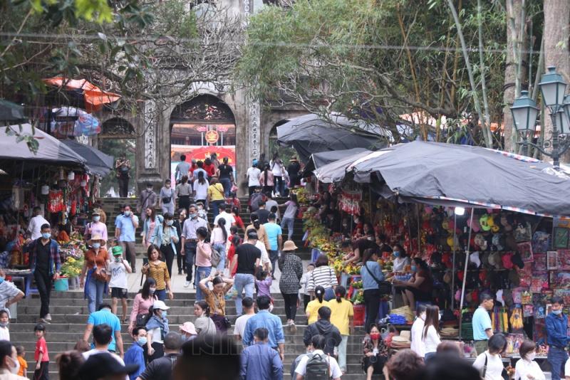 Công tác phòng dịch ở Chùa Hương sau một tuần mở cửa trở lại