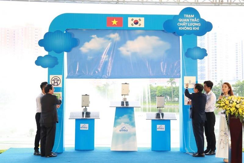 Hà Nội tiếp nhận 24 trạm quan trắc không khí cảm biến