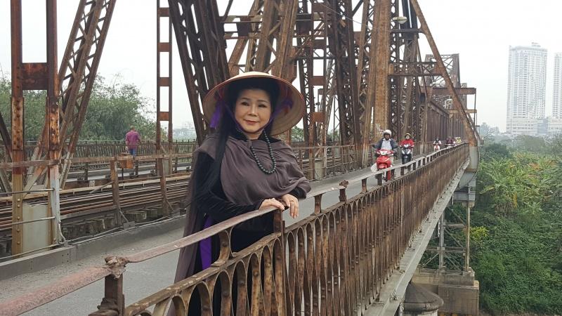 Bộ sưu tập tranh Văn Dương Thành tại tòa nhà Sao Thái Dương, 161 Ngọc Hồi, khu đô thị mới Pháp Vân, Hà Nội