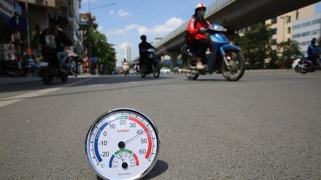 Chuyên gia khí hậu giải thích gì khi Hà Nội nóng 60 độ C