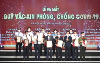 ha noi huong ung 1000 ty dong mua vaccine phong covid 19 cho tp va ung ho quy vaccine 100 ty dong