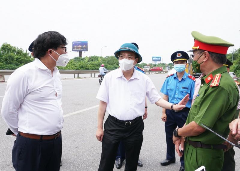 Chủ tịch UBND TP Hà Nội thị sát đường Vành đai 3
