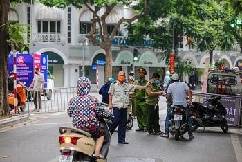 ha noi ban hanh mau giay di duong cho nguoi du dieu kien luu thong